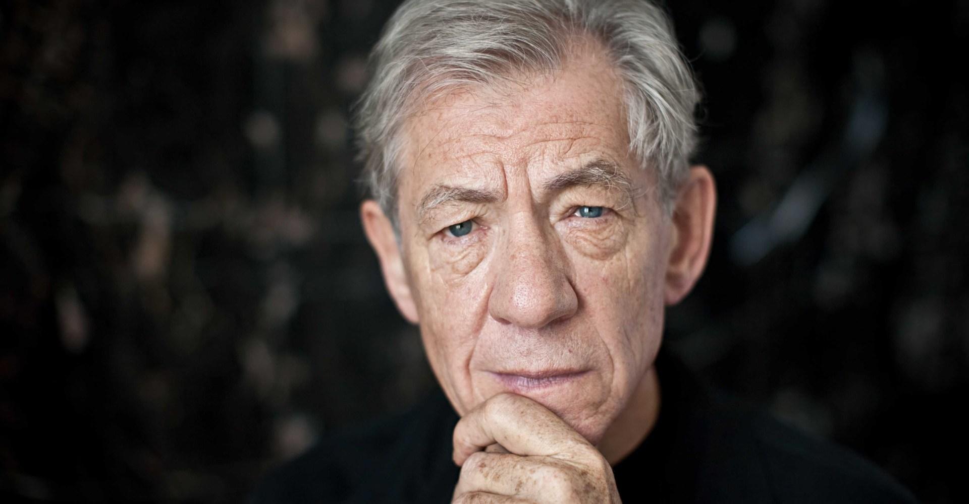 Ian McKellen quiere ver un James Bond gay