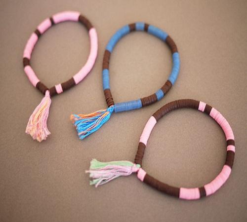 cara-membuat-gelang-benang