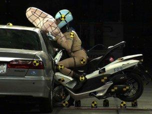 airbag_pcx_13628719521639365538.jpg