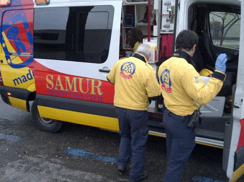 Efectivos del Samur atienden a los heridos - Emergencias Madrid