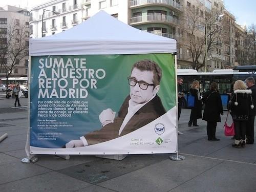 Cartel anunciador de la campaña en la Avenida de Felipe II