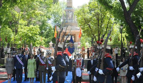 homenaje-caidos-plaza-lealtad
