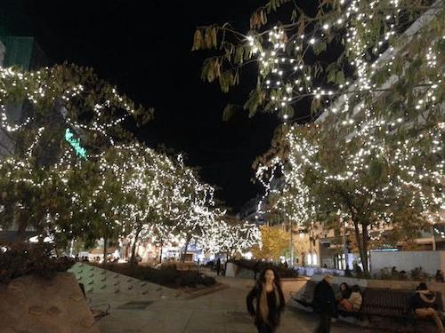 iluminacion-plaza-dali