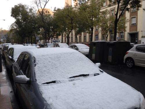 Nieve en la calle Sáinz de Baranda de Retiro - L. Torres