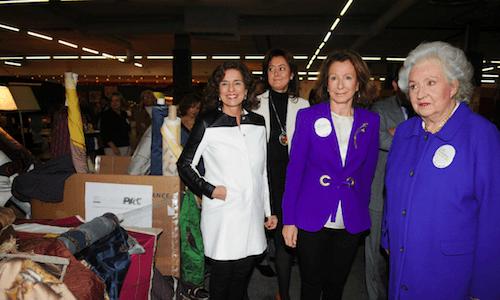 La alcaldesa y la presidenta del mercadillo, este viernes 22 de noviembre - Ayto