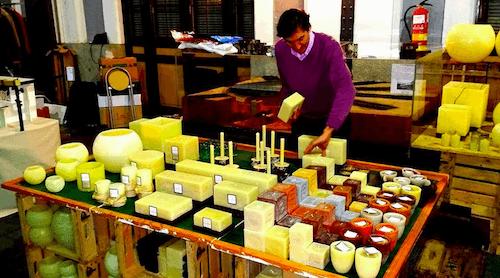 Venta de velas en el mercado de marzo - MM