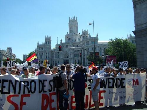 Manifestantes de la 20º Marea Blanca -TW @pmusifloren