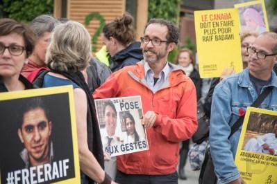 Manifestation d'Amnistie internationale en soutien à Raif Badawi