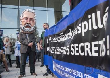 Une mascotte du Premier ministre Philippe Couillard