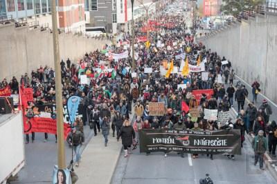Entre 1000 et 2000 personnes prenaient part à la manifestation.