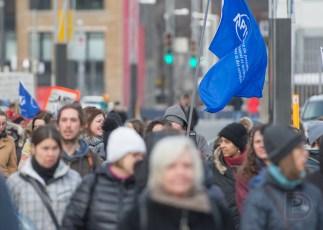 L'APTS présente lors de la manifestation «Dehors barrette» par Québec solidaire