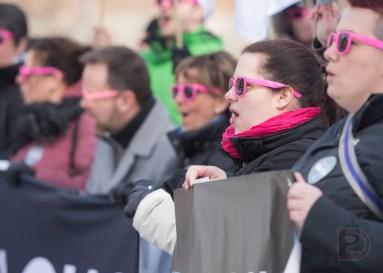 Les membres de la FIQ ont manifesté devant le CHSLD Notre-Dame de la Merci.