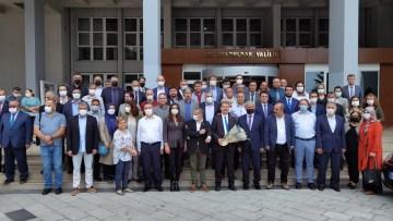 İl Milli Eğitim Müdürü Ali Tosun, mesai arkadaşlarıyla vedalaştı