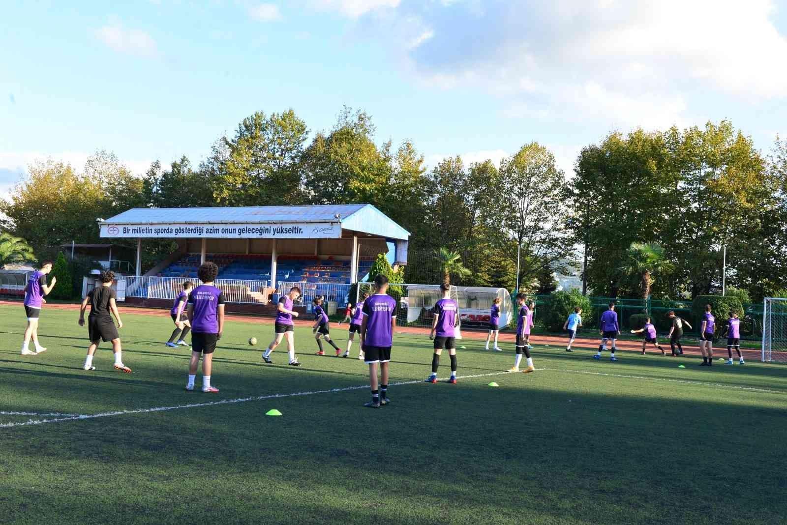 Erdemir, spor tesislerini bölge sporcularının hizmetine açtı