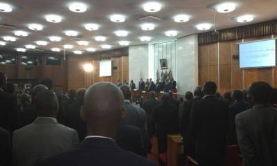 Léon Kengo : « La situation sociale de la population ne doit pas être l'otage de l'enlisement politique » 98
