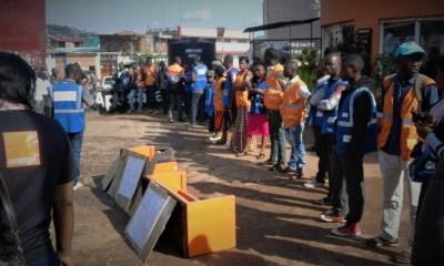 URGENT - Les vendeurs ambulants d'Orange/Tigo impayés depuis 5 mois a Bukavu ! [Photos] 9