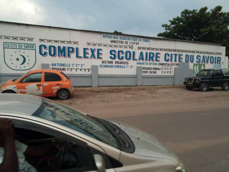 Kinshasa: Rawbank offre 82 ordinateurs à une école privée à Barumbu 2