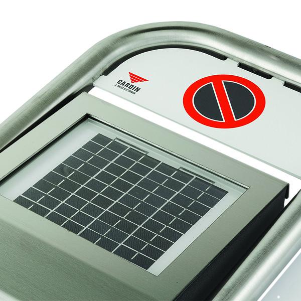 Autoatska barijera za čuvanje parking mesta na baterije i solarnim punjenjem