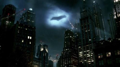 Turkish-Airlines-Batman-V-Superman-Gotham-City