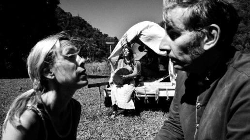 Guerra del Paraguay (2016), radical en su experimentalismo teatral y locuaz, haciendo uso constante de la palabra y de citas de pensadores como Brecht y Nietzche para reflexionar sobre la brutalidad de los conflictos armados.