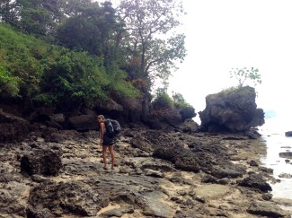 HIking around the point at low tide from Tonsai to Railay