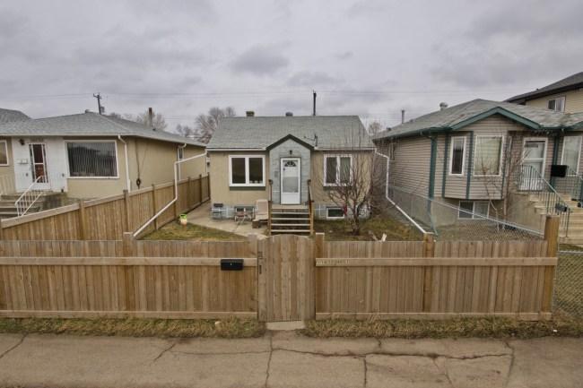 11622 80 St Edmonton - 10