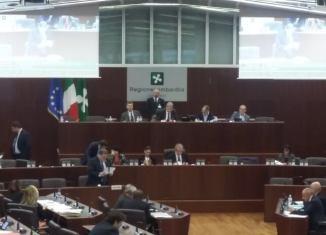 regione Lombardia consiglio per autonomia