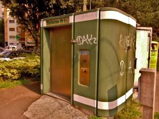 bagni-pubblici-a-Milano-1-324x243 Il problema dei bagni pubblici a Milano Costume e Società Milano