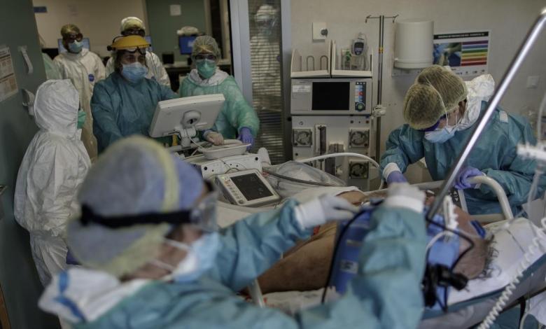 los-contagios-en-madrid-bajan-a-niveles-de-inicio-de-la-pandemia-pero-las-muertes-suben-a-21