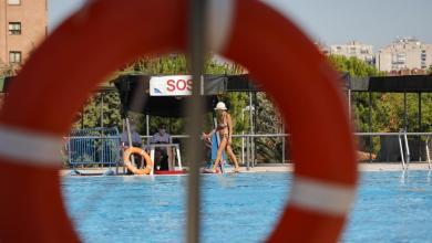 Photo of Abren las cinco primeras piscinas municipales en Madrid con la mitad del aforo: «Ha venido muy poca gente»