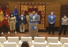 Photo of Gobierno y oposición firman los 'Pactos de la Villa': 352 medidas para reconstruir Madrid tras la Covid