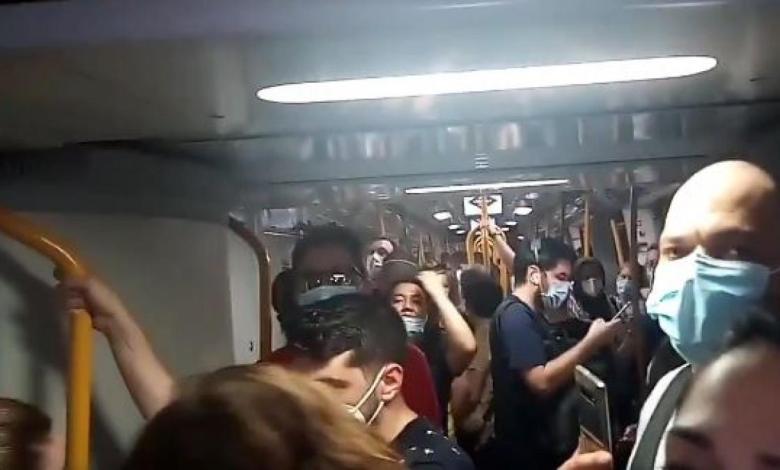 viajeros-de-metro-de-madrid-quedan-atrapados-durante-15-minutos-en-un-tren-abarrotado-sin-poder-guardar-la-distancia-de-seguridad