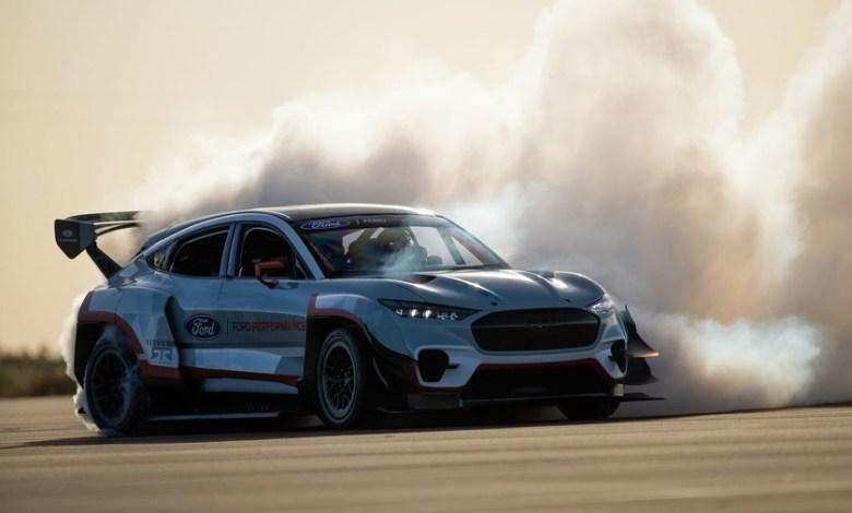 ford-crea-un-brutal-mustang-match-e-de-1.400-caballos-para-«demostrar-las-posibilidades-de-la-propulsion-electrica»