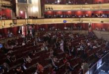 Photo of Madrid obliga a dejar una butaca libre entre grupos de personas que compren juntos entradas en cines o teatros