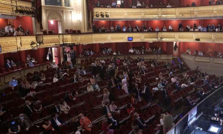 madrid-obliga-a-dejar-una-butaca-libre-entre-grupos-de-personas-que-compren-juntos-entradas-en-cines-o-teatros