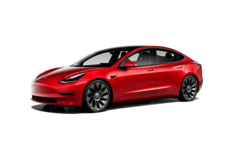revelado-el-tesla-model-3-2021:-nuevas-llantas,-nuevo-interior,-mas-autonomia-y-mas-equipamiento