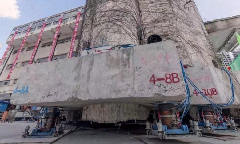 """china-utiliza-198-patas-roboticas-para-hacer-""""caminar""""-y-recolocar-un-edificio-historico-de-7.600-toneladas"""