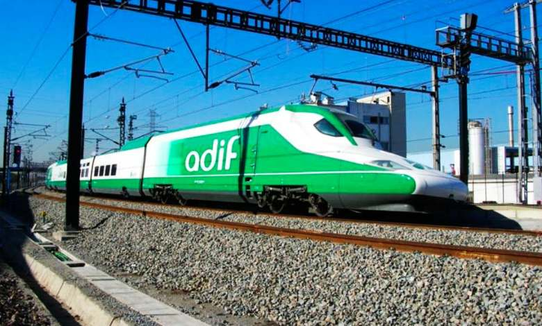 adif-busca-potenciales-promotores-para-instalar-puntos-de-recarga-en-400-estaciones-de-tren