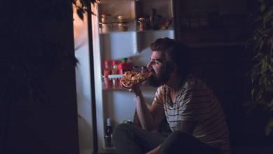 los-peores-alimentos-que-puedes-llevarte-a-la-boca-justo-antes-de-dormir