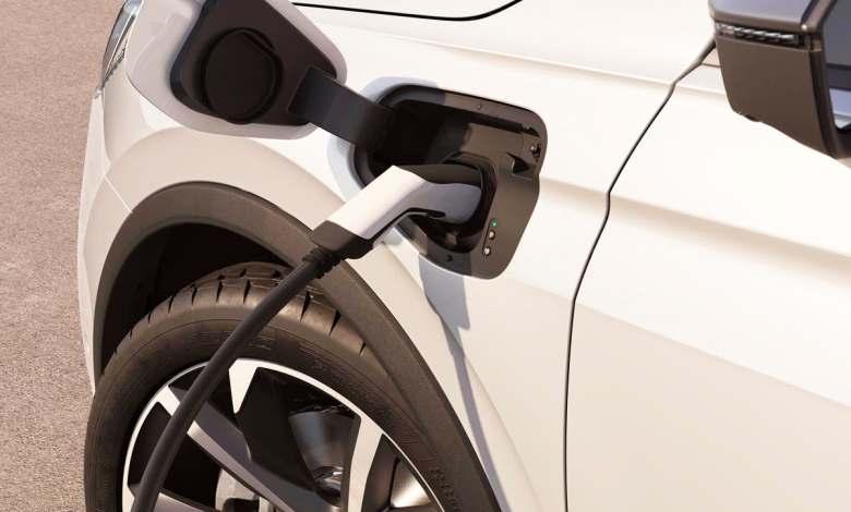 la-inversion-y-la-oferta-de-coches-electricos-podria-estancarse-en-2022