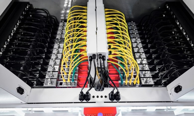 si,-esos-servidores-estan-en-una-banera:-asi-funciona-la-refrigeracion-por-inmersion