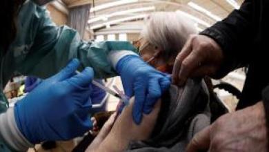 ayuso-insiste-a-sanidad-para-que-se-administre-astrazeneca-tambien-a-los-mayores-de-65-anos