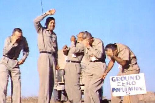 en-1957,-estos-cinco-hombres-se-ofrecieron-voluntarios-para-situarse-debajo-de-una-explosion-nuclear