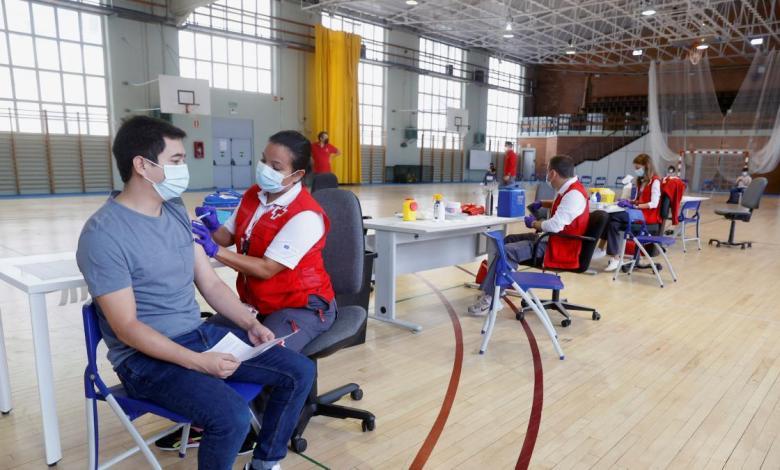 la-comunidad-vacuna-en-cinco-dias-a-mas-de-1.500-jovenes-en-los-campus-universitarios,-un-70%-con-primera-dosis