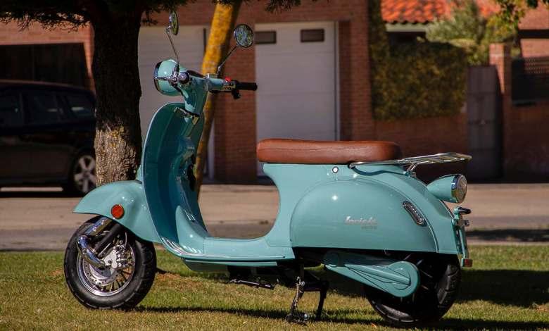 invicta-ev-rueda,-un-scooter-electrico-retro-y-tecnologico-por-2.995-euros