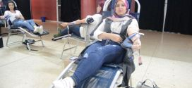 """بالفيديو..جمعية إشراقة أمل تنظم حملة التبرع بالدم تحت شعار : """"رب قطرة دم تنقذ بها الإنسان"""""""