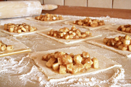 apple-turnovers-squares-with-filling