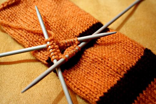 pattern knit fingerless mittens