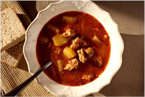 goulash stew recipe with step by step pictures, meat stew, autumn stew, pork stew, ingredients, pictures, images