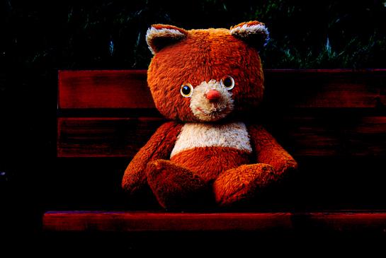 free, free wallpaper, free desktop background, desktop background, toy desktop background, desktop background for kids, teddy bear sitting on bench in park